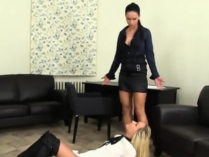 Lezzie pisses while toyed