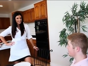 India Summer and Kacy Lane hot threeway in the kitchen