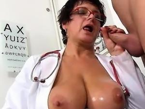 Czech milf doctor Beate mom boy hospital hj with cum on tits
