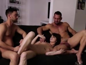 Perfect beauty Aspen Oras threesome sex