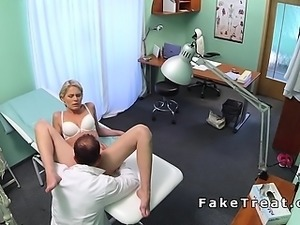 Doctor eats pussy to slim blonde