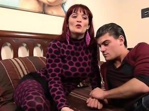 Italian milf Mary anal fucked