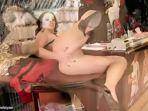 Liza Del Sierra with juicy hooters fucks herself with toy on camera for your...
