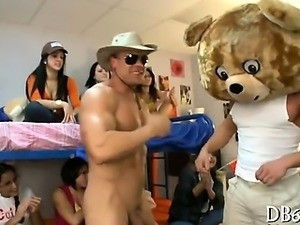 Beauty receives a farewell fucking from the dancing bear