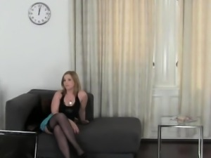 Excited lesbo could not resist from licking babes cunt