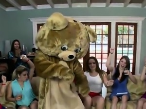 The dancing bear dances and gets blowjob