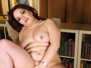 Sexy Curvy MILF Megyn Debuts on Aunt Judy's
