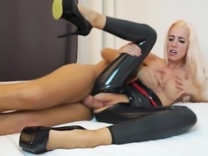 naughty-hotties.net - skinny blonde latex suit beggin for po