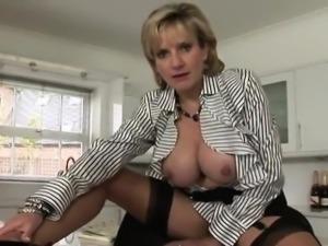 Unfaithful british milf lady sonia exposes her oversized nat