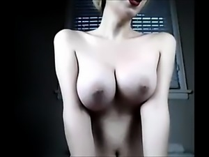 Tranny showing her beautiful body on cam