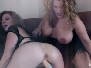 Sara Jay Gets Pounded by A Fucking Machine!