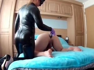 Huge Strapon pegging
