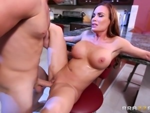 Brazzers - Diamond Foxxx loves cock