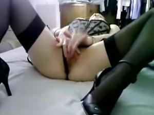 Amateur Masturbating in Heels and Stockings