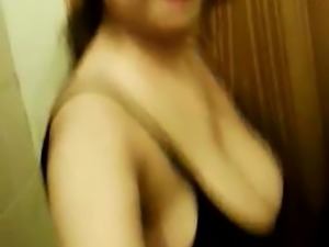 Pakistani Busty Exposing Big Boobs and Pussy
