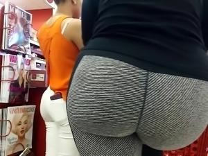 Latina Milf Booty in Stripe Spandex