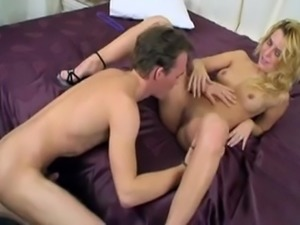 Blondine fucks a Lucky guy,