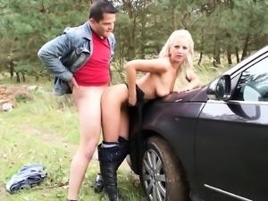 Teen girl is so horny she stops the car , sucks her guys