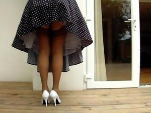 1950's Housewife Windy Upskirt