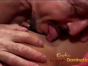 Attractive brunette babe has her orgasmic pink slit hammered