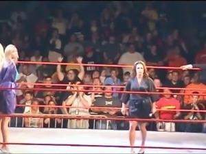 WWE Divas Torrie Wilson vs. Stacy Keibler vs. Ivory WWE Live Bikini Contest