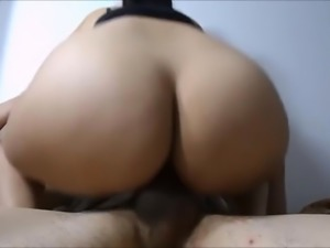 Girlfriend Has A Big Ass! (Amateur Couple)