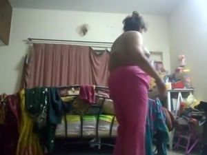 Hot aunty caught on hidden cam