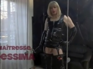 Maitresse DessimA Smoking Fetish Queen