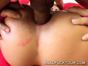 Dual invation makes big booty goddess go crazy
