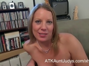 Alyssa Dutch masturbates for AuntJudys.com