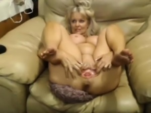 Big Titty Milf Wants Your Cum On Her Face