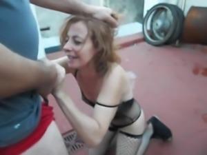 Mature housewife piss deepthroat