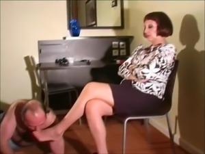 Mature Mistress Foot Worship