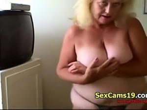 Sexy Blonde Granny Dances Live on spicygirlcam,com