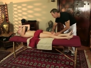 Spoiled blond chick Cadence Lux and horny stud perform steamy oral sex in...