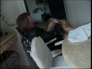 Hot like hell blond bitch Ava Vincent gives solid blowjob to her new guest