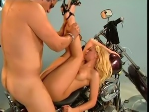 Kate Frost knows how to deepthroat and she loves missionary position