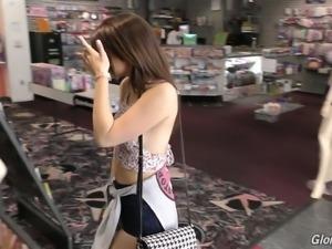 Cute and sweet teen Joseline Kelly sucking black dick through gloryhole
