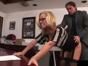 Nicole wants the cock of her boss deep inside the shaved beaver
