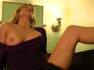 Amazing cougar lesbian enjoying her pussy being licked in the toilet