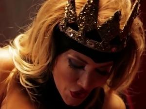 Sex queen makes sure her lover's member is super stiff