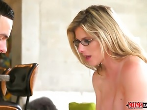 Blonde Cory Chase gives giving oral pleasure to her hot bang buddy