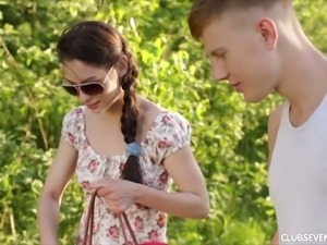 Desirable girl Arwen Gold fucked on a picnic under the open sky