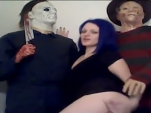 Lusty blue haired bitch flashed her tits next to Jason and Freddy