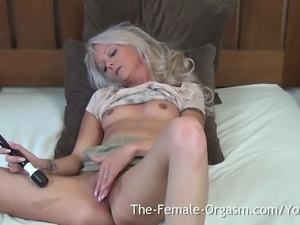 Babe with Big Nipples and Lips has Multiple Shaking Orgasms