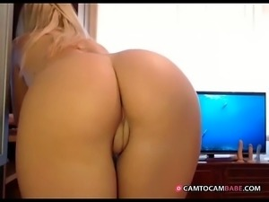 callia4u  perfect ass and innie pussy  - camtocambabe.com