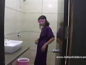 Indian Bhabhi In Bathroom Taking Shower MMS Scandal