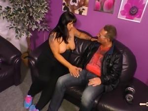 Slutty German housewife Kim gets to pleasure a quivering boner