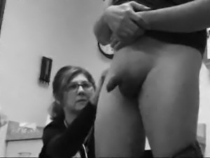 Dick Flash to a Nurse While Getting a Shot