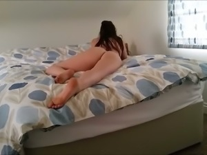 Awesome cam whore with passion showed me off her gorgeous rounded ass